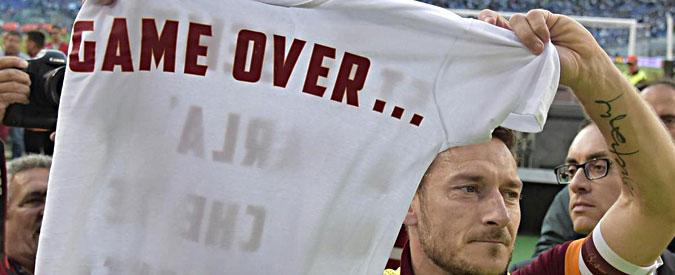 Lazio – Roma 1 a 2. I giallorossi secondi in campionato. Per i biancocelesti spareggio a Napoli