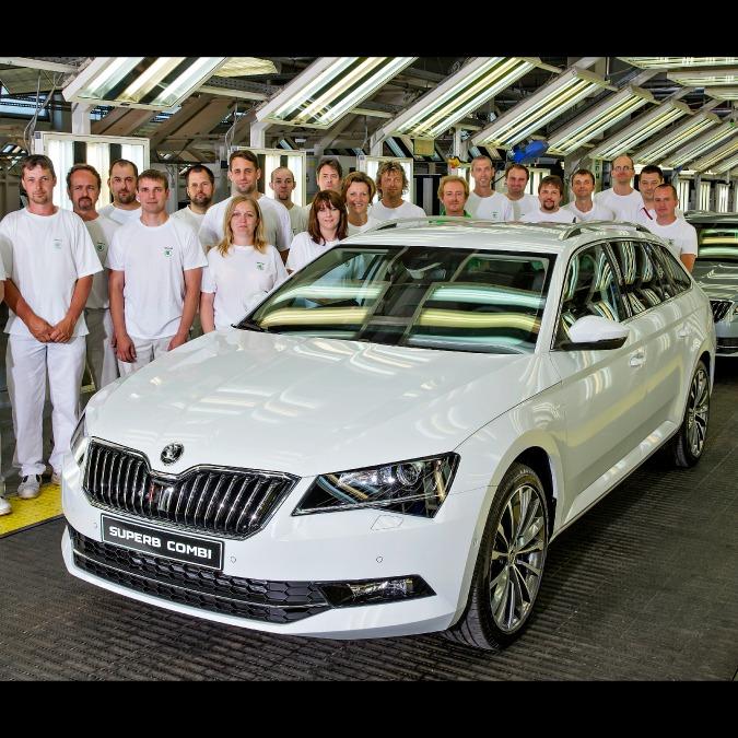 Skoda Superb, iniziata la produzione della Wagon. La nuova serie da 25.900 euro