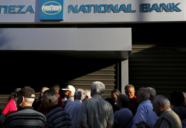 Grecia, Borsa e banche chiuse per sei giorni