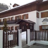 Caserme sulle Dolomiti? No, alberghi a 5 stelle per ufficiali: \