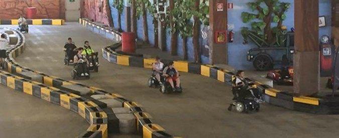 Disabilità, è italiano il primo GP al mondo effettuato con carrozzine elettriche