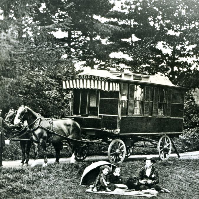 """La roulotte compie 130 anni: la """"carrozza per le vacanze"""" nacque prima dell'auto"""