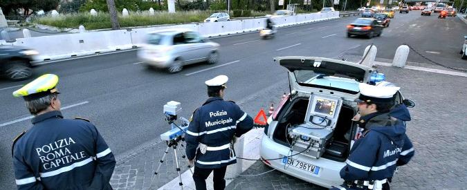 Autovelox selvaggi: stop alle multe agli automobilisti per far quadrare i bilanci comunali
