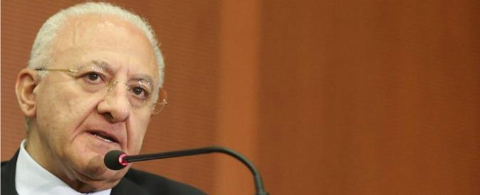 """Vincenzo De Luca indagato, """"pressioni sul giudice per salvarsi il posto"""""""