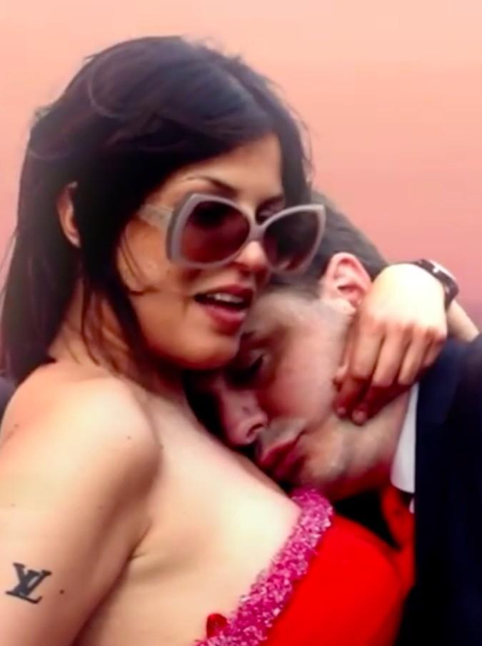 """Andrea Diprè e Sara Tommasi, nel video """"Nel mio privé"""" soldi facili e cocaina"""