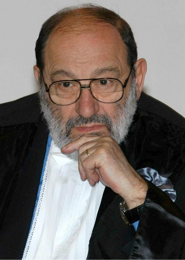 """Umberto Eco contro i social: """"Hanno dato diritto di parola a legioni di imbecilli"""""""