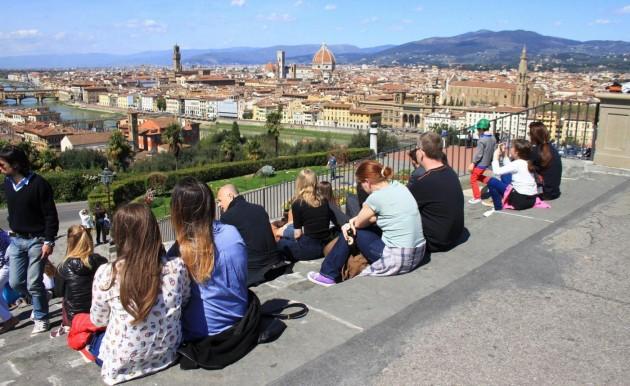 Pasqua 2015, Firenze invasa dai turisti: code ai musei e file in autostrada