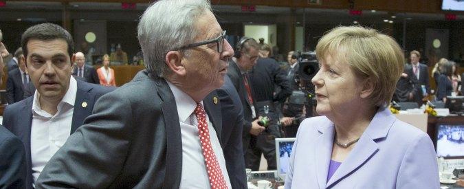 """Crisi Grecia, Juncker al Parlamento Ue: """"Evitiamo uscita da euro, non mi farò mettere museruola"""""""