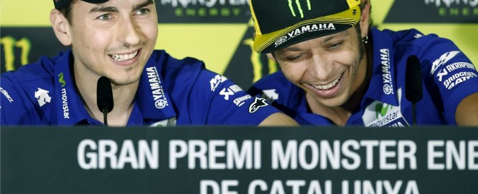MotoGp Catalogna, dominio Yamaha. Lorenzo trionfa davanti a Rossi