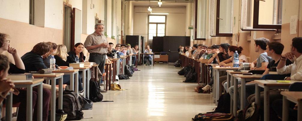 Omofobia, il ministero blocca il questionario della scuola di Perugia. A far paura è la normalità
