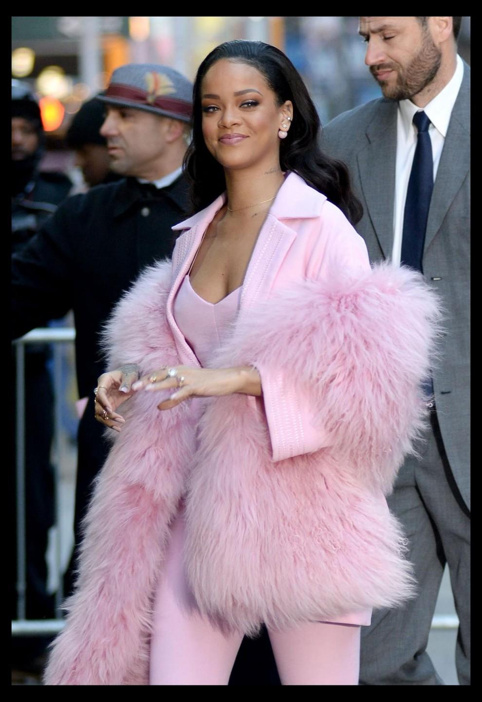 Rihanna Arrives At Good Morning America Portfolio LaPresse