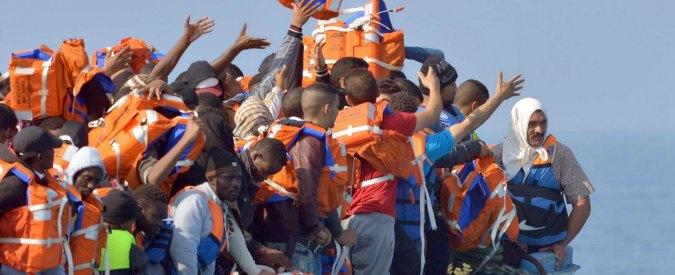 """Migranti a Bologna, Lega Nord: """"Bloccare gli autobus e rispedirli indietro"""""""