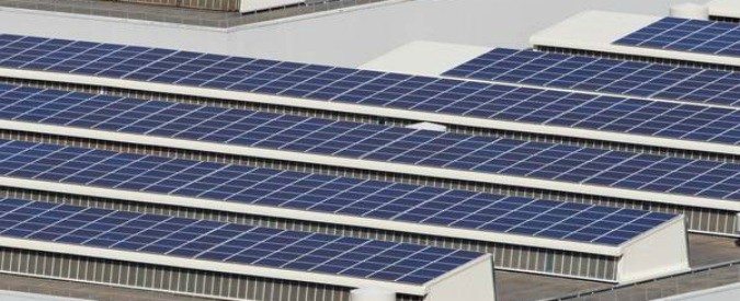 Energia solare: Obama distribuisce 'più pannelli per tutti'