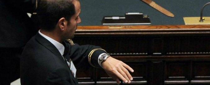 Camera ok a proposta m5s gara per le divise dei commessi for Assistenti parlamentari m5s
