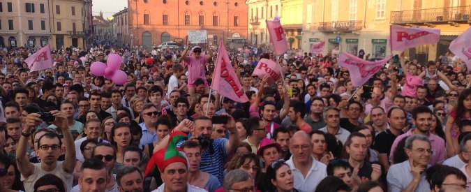 """Volley Pomì, dal palazzetto che non c'è ai piccoli sponsor: lo scudetto """"rosa shocking"""" di Casalmaggiore"""