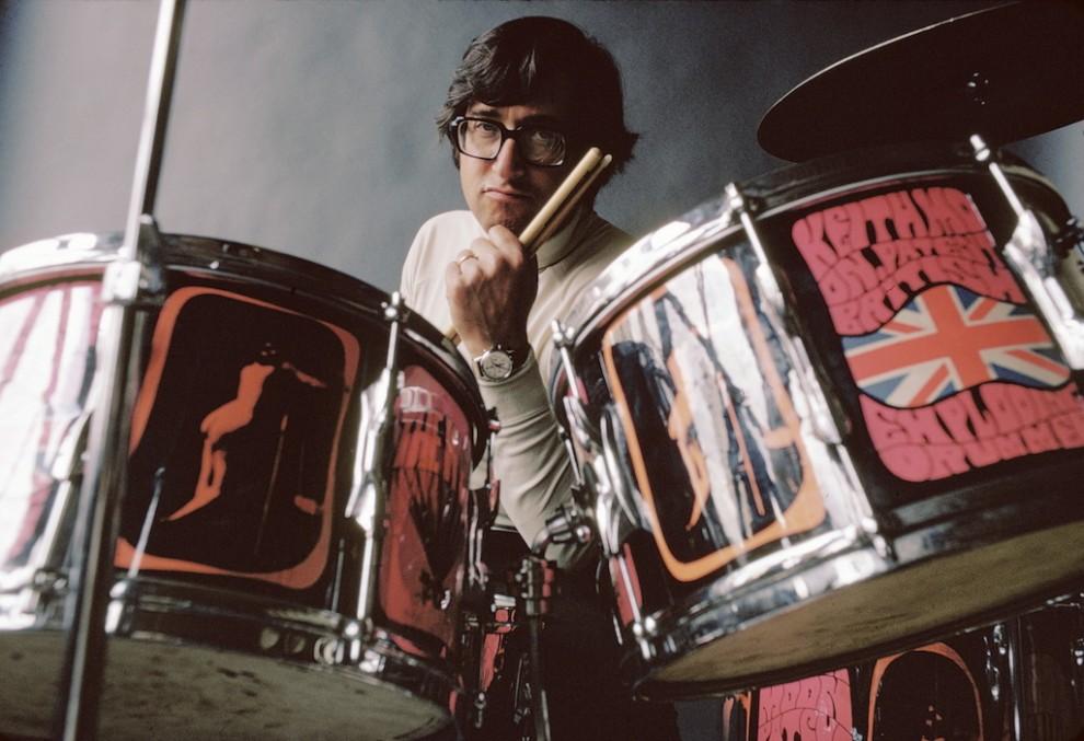 ritratto_Kane_3.jpg Art Kane seduto alla batteria di Keith Moon degli Who