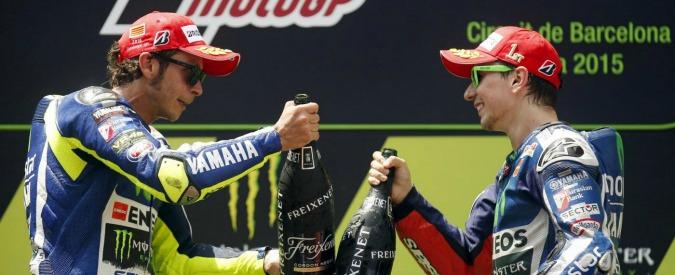 """Valentino Rossi, il padre di Lorenzo a sorpresa: """"Non meritava sanzioni, avrei castigato Marquez"""""""