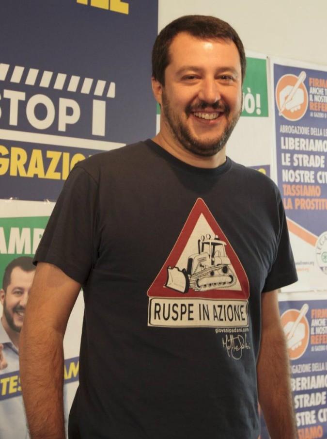 """Sanremo 2019, Matteo Salvini contro Achille Lauro: """"La sua Rolls Royce è un inno alla droga? Mi fa schifo"""""""