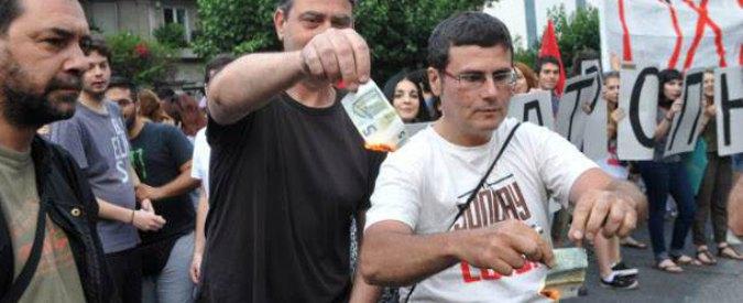 """Grecia, i conservatori fanno asse con Juncker e chiedono: """"Stop a referendum"""""""