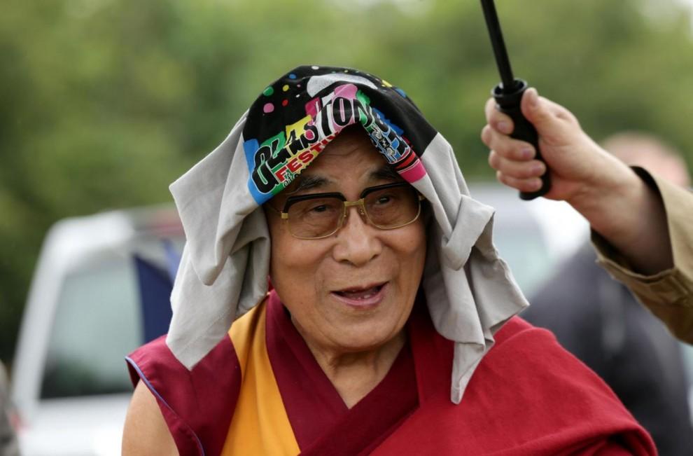 Il Dalai Lama al Glastonbury Festival 2015