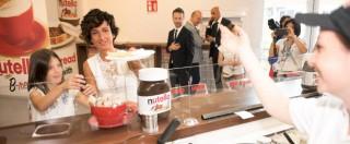 Expo 2015, Agnese Renzi e la figlia mangiano Nutella dopo l'attacco di Ségolène Royal