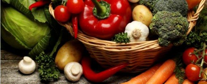 Immunonutrizione, l'impatto del cibo sul sistema immunitario. Le regole per stare bene: frutta e verdura fresca e Omega 3