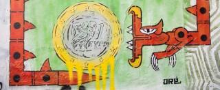 """Crisi in Grecia, graffiti e scritte sui muri di Atene: """"Il capitalismo è finito"""" (FOTO)"""