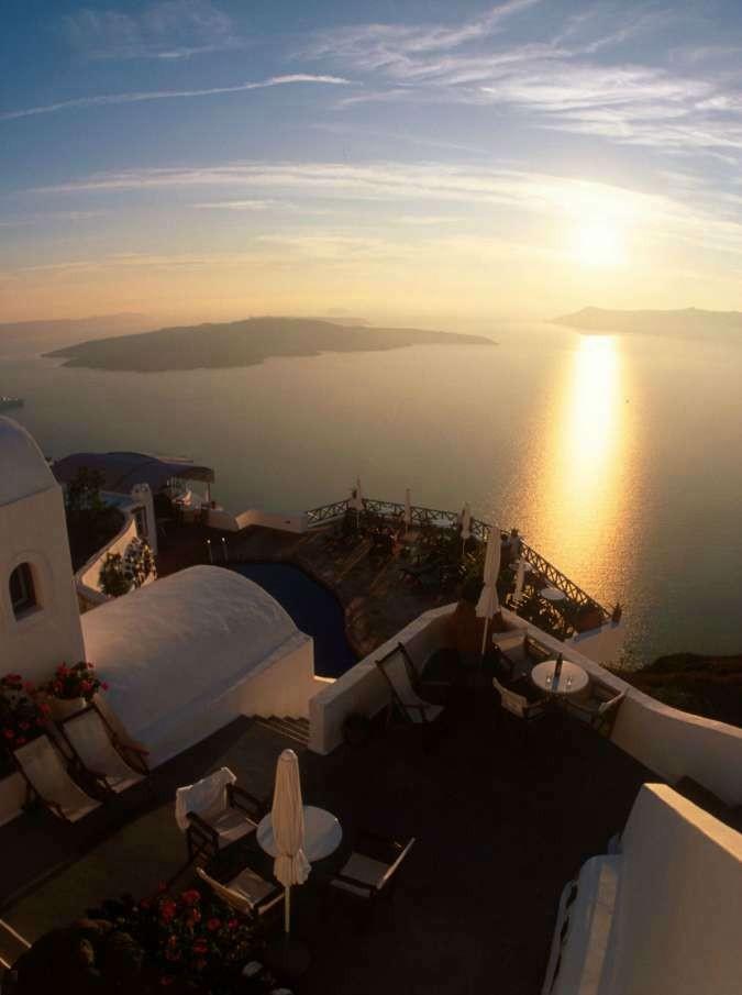 Cari greci, i grigi Stati del Nord vi stanno uccidendo di austerity perché invidiano la Grande Bellezza del Sud Europa