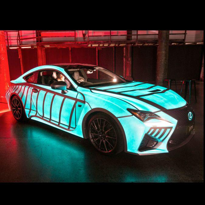Lexus crea la prima auto che sente il battito del cuore. E s'illumina a ritmo