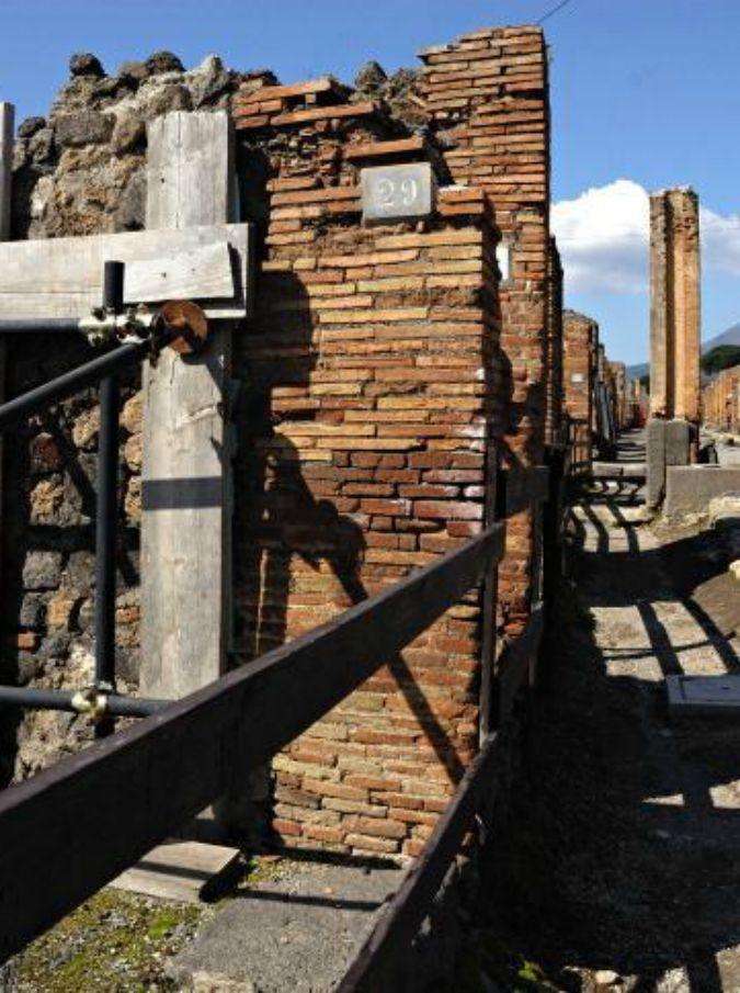 Pompei 675 x 905