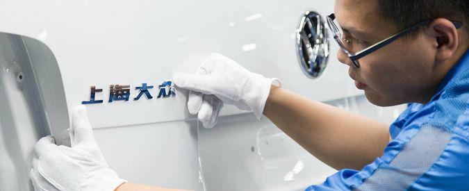 Volkswagen, annunciata l'auto low cost per la Cina. Ma pesa l'incognita parcheggi