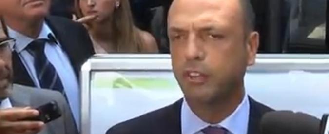 """Italiani rapiti in Libia, Alfano: """"Non escluso scambio con scafisti"""""""