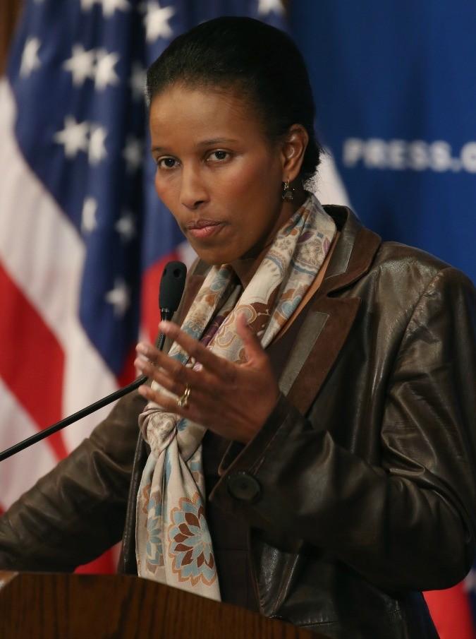 """Eretica, Ayaan Hirsi Ali torna a far discutere: """"L'Islam va riformato: non è una religione di pace"""""""