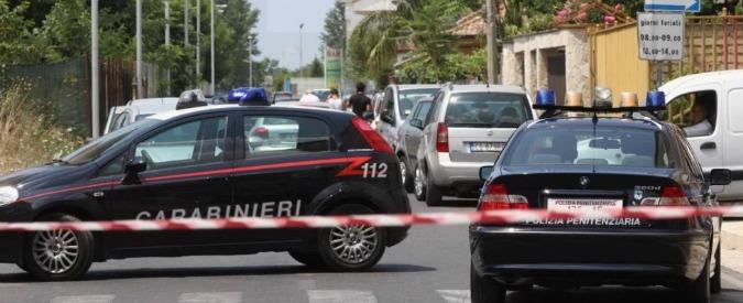 Strage nel Casertano, si salva dagli spari e scopre i cadaveri della famiglia uccisa