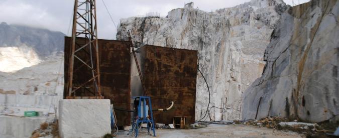 """Alluvione Carrara, """"detriti cave nei corsi d'acqua"""". Indagini su 7 ditte del marmo"""
