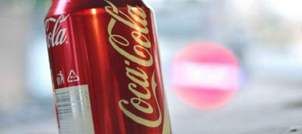 Coca-Cola, 6 effetti in 60 minuti con una sola lattina. A svelarli un ex farmacista