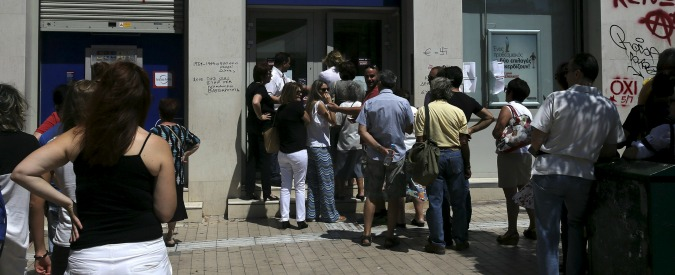 """Grecia, le voci della piazza: """"In Germania si parla sempre di soldi, non di persone"""""""