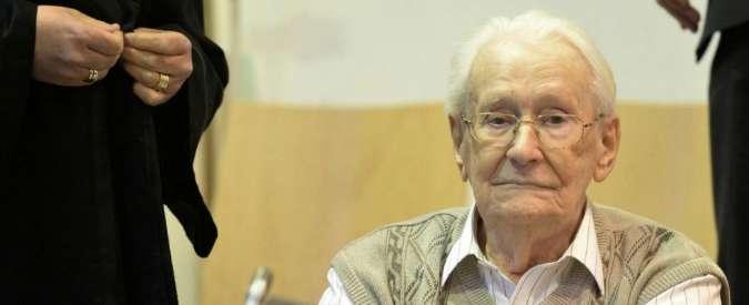 """Shoah, """"concorso in omicidio di 300mila persone"""": condannato a 4 anni il contabile di Auschwitz"""