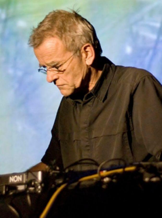 Dieter Moebius, morto il pioniere della musica elettronica: il krautrock ha avuto in lui uno dei suoi più geniali artefici