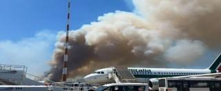 """Fiumicino, ripresi i voli dopo l'incendio vicino alle piste. Sindaco: """"E' doloso"""". Renzi chiama Alfano: """"Inaccettabile"""""""