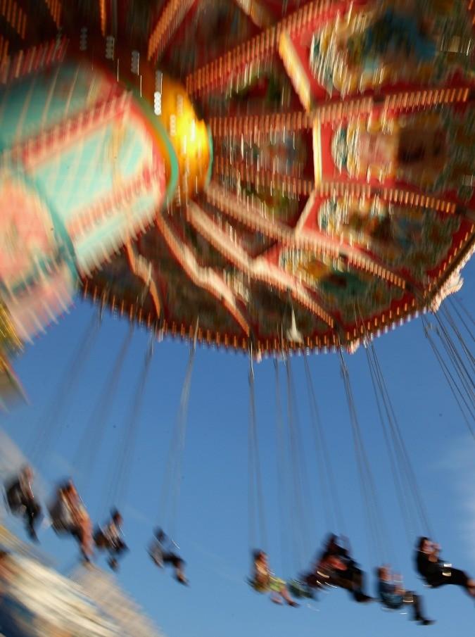 Una vita da Luna Park: tra ruote panoramiche e zucchero filato, il racconto in immagini e parole di Giulio Beraneck