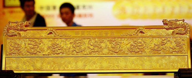 Oro, con il dollaro forte e la frenata della Cina il bene rifugio non piace più