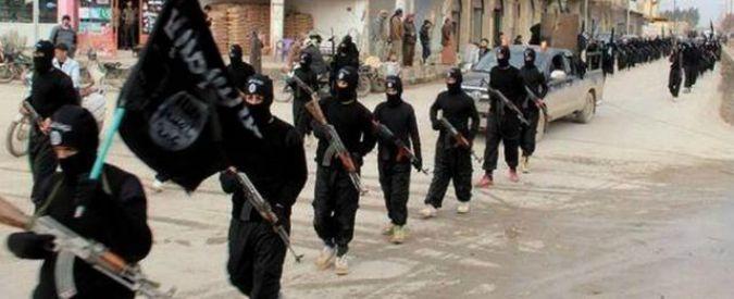 """Isis, rapporto denuncia: """"I jihadisti hanno usato armi chimiche contro i curdi"""""""