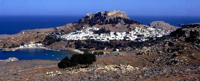 """Grecia, deputato svizzero: """"Compriamo un'isola, così avremo accesso al mare"""""""