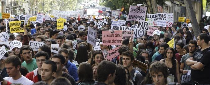 Spagna, ecco la 'Ley Mordaza': vietato manifestare se la polizia non vuole