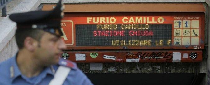 Roma, tre denunciati per la morte del bimbo nell'ascensore della metropolitana