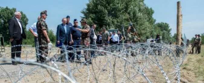 """Ungheria, Orbàn come Trump: """"Ue paghi metà del nostro muro anti-migranti"""""""