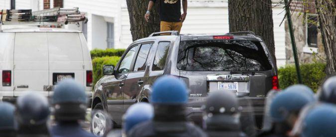 Ohio, poliziotto bianco uccide afroamericano disarmato padre di 12 figli
