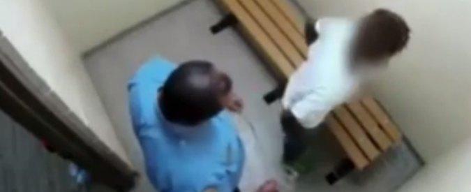 Usa, poliziotto picchia 16enne afroamericana in un carcere minorile