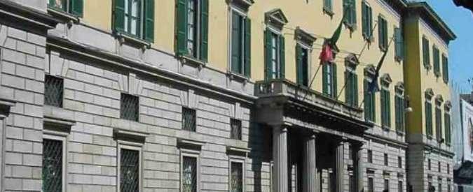 Milano, ragazzo di 22 anni muore cadendo da una finestra della Questura